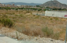 Parcela urbana de 705 m² en Petrer. Guirney San Rafael