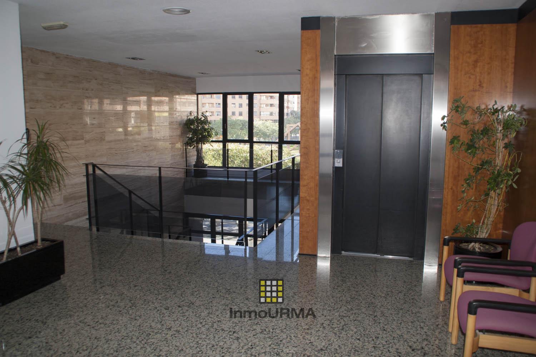 Oficina junto al centro comercial Gran Via Alicante 17