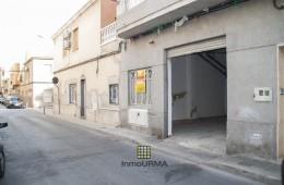 Local en calle Agustín Cavero en Elda