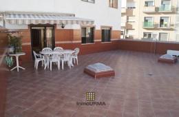 Piso de 4 dormitorios con gran terraza en Altozano