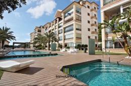 Apartamento en planta baja con dos terrazas en Guardamar Hill