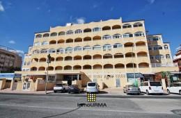 Apartamento en urbanización Torremar en Torrevieja