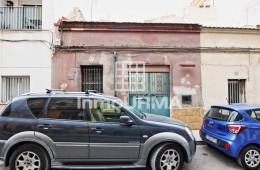 Solar en calle Trafalgar en el barrio de San Antón en Alicante